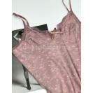 Пудровая женская ночная рубашка с цветами