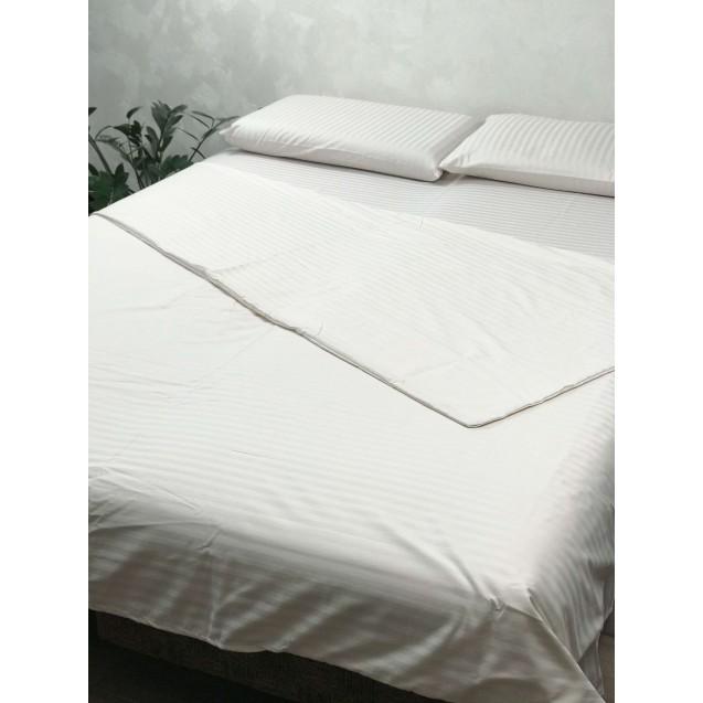 Молочное постельное белье в евро размере с страйп-сатина